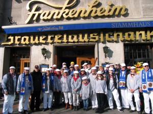Gleich geht's los! Nach dem gemerinsamen Frühstück im Brauereiausschank Frankenheim wird ein Bus die Spiuesratze zum Aufstellort bringen.