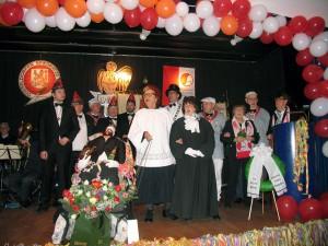 Auf der Bühne des Ibach-Saals: Gleich werden die Trauerreden gehalten.